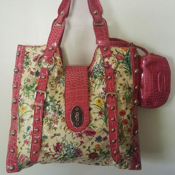 fcf73ef14d921d ANIMA Handbags - Lg Butter Soft ANIMA Floral Croc Purse   Wristlet!